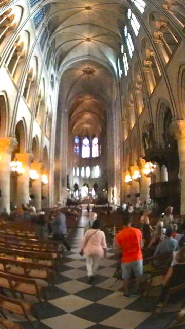 VR Notre Dame de Paris Virtual Reality 360 screenshot 5